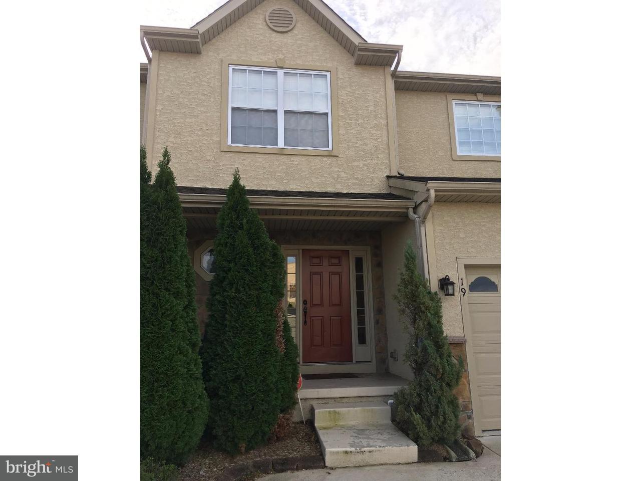 Casa unifamiliar adosada (Townhouse) por un Alquiler en 19 GLACIER Drive Berlin Boro, Nueva Jersey 08009 Estados Unidos