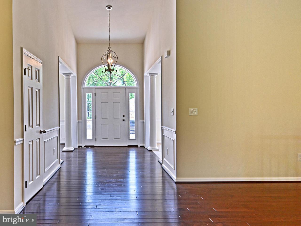 獨棟家庭住宅 為 出售 在 7352 TOTTENHAM Drive 7352 TOTTENHAM Drive White Plains, 馬里蘭州 20695 美國