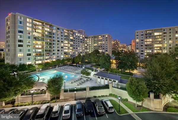 Additional photo for property listing at 1600 S Eads #002/2  Arlington, Virginia 22202 United States