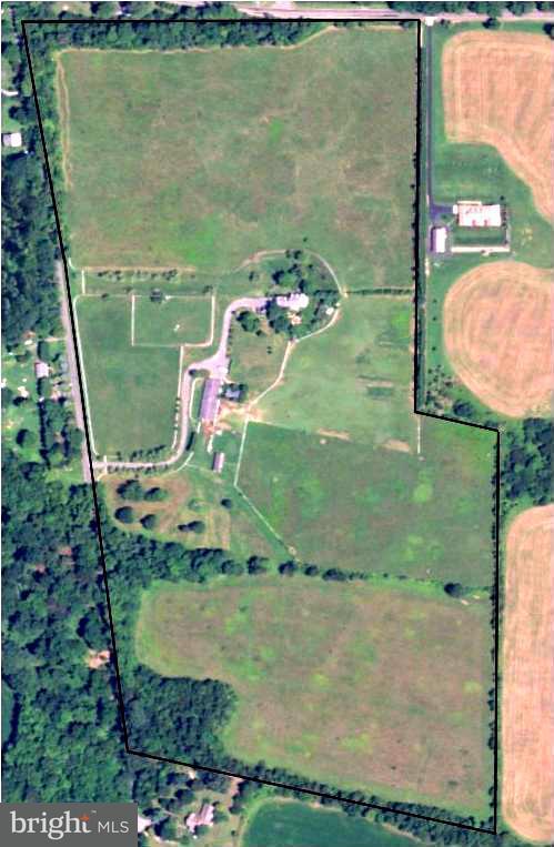 Fazenda / Quinta para Venda às 18401 TRUNDLE Road 18401 TRUNDLE Road Dickerson, Maryland 20842 Estados Unidos