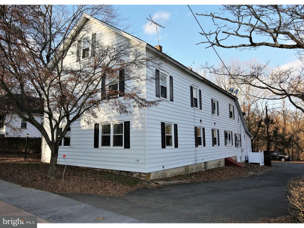 Частный односемейный дом для того Продажа на 174 WASHINGTON Street Rocky Hill, Нью-Джерси 08553 Соединенные ШтатыВ/Около: Rocky Hill Borough