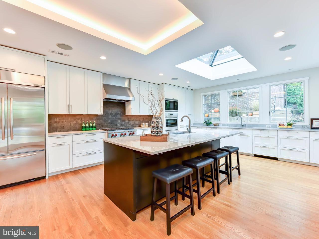 独户住宅 为 销售 在 3314 PORTER ST NW 3314 PORTER ST NW 华盛顿市, 哥伦比亚特区 20008 美国