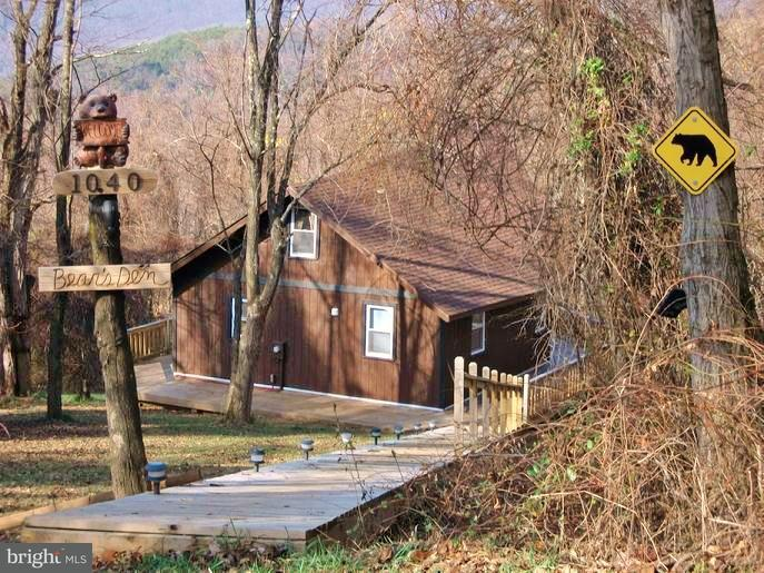 Single Family for Sale at 1040 Overlook Mountain Rd Elkton, Virginia 22827 United States