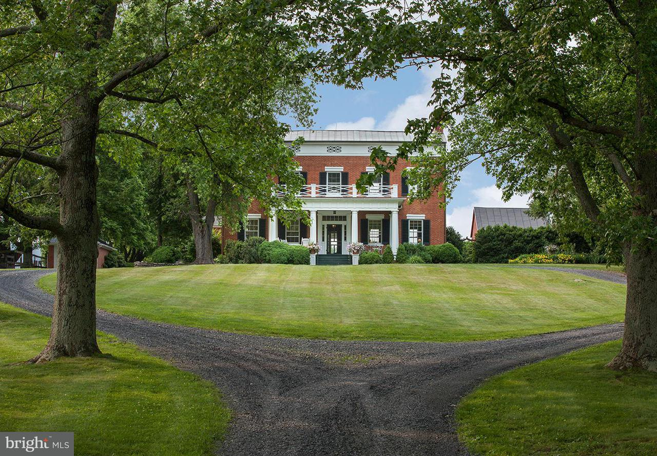 Casa Unifamiliar por un Venta en 22439 GREENGARDEN Road 22439 GREENGARDEN Road Upperville, Virginia 20184 Estados Unidos