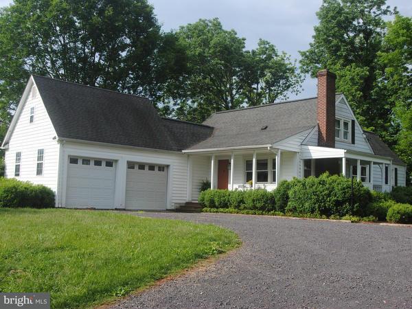Eensgezinswoning voor Verkoop een t 8490 PUMP HOUSE Road 8490 PUMP HOUSE Road Somerset, Virginia 22972 Verenigde Staten