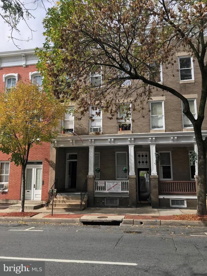 Многосемейный дом для того Продажа на 427 MARKET ST N 427 MARKET ST N Frederick, Мэриленд 21701 Соединенные Штаты