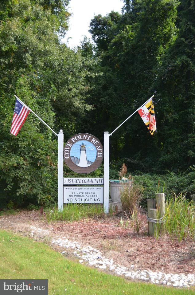 Additional photo for property listing at 11026 BEACH Drive 11026 BEACH Drive Lusby, 馬里蘭州 20657 美國