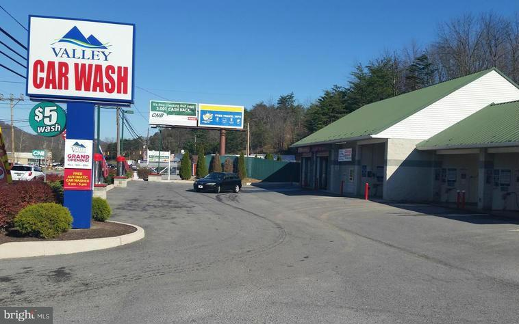 Comercial por un Venta en 1685 VALLEY Road 1685 VALLEY Road Berkeley Springs, West Virginia 25411 Estados Unidos