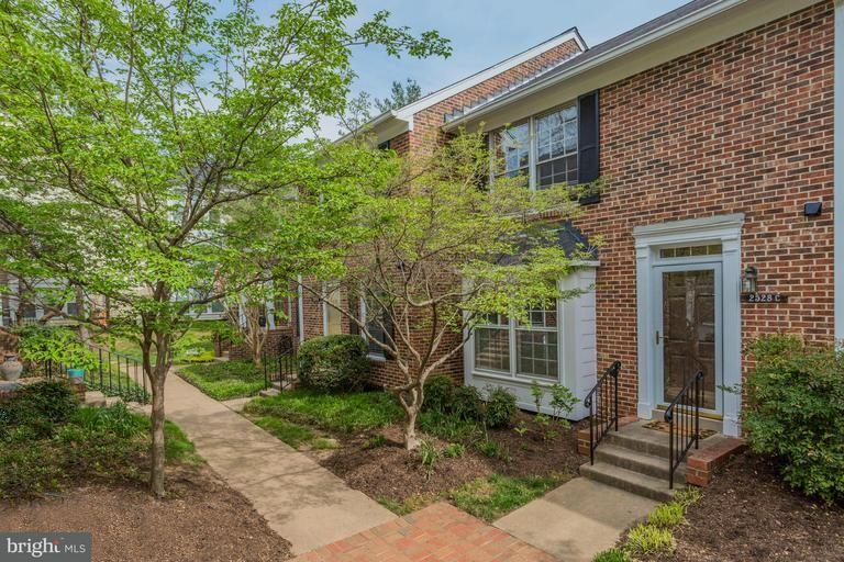 Townhouse for Sale at 2528C ARLINGTON MILL DR #3 2528C ARLINGTON MILL DR #3 Arlington, Virginia 22206 United States