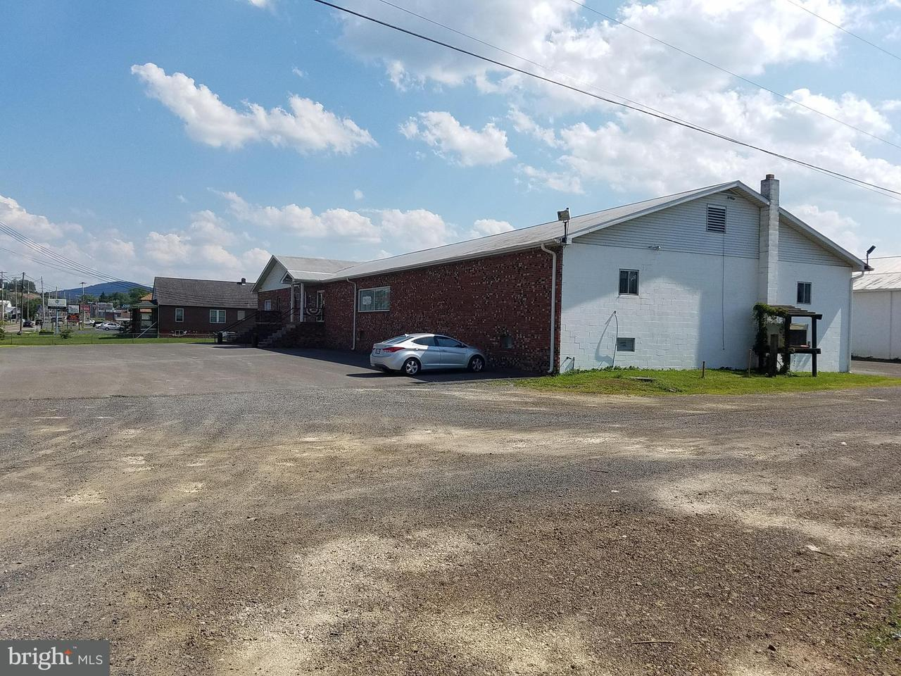 商用 为 销售 在 9944 FORT ASHBY Road 9944 FORT ASHBY Road Fort Ashby, 西弗吉尼亚州 26719 美国