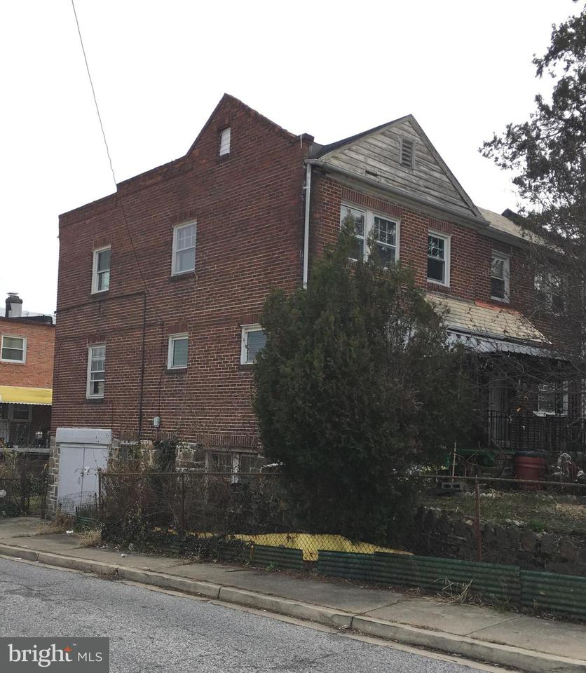 Single Family for Sale at 41 N Ellamont St Baltimore, Maryland 21229 United States