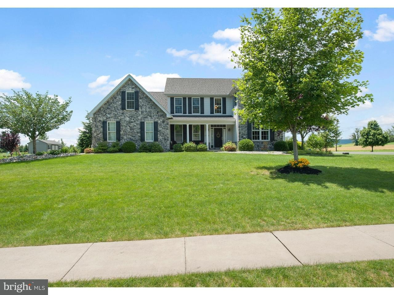 Single Family Home for Sale at 1695 KINGS Court Pen Argyl, Pennsylvania 18072 United States