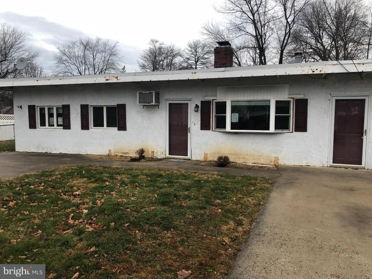 Частный односемейный дом для того Продажа на 825 MADISON Avenue Penndel, Пенсильвания 19047 Соединенные Штаты