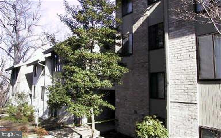 Condominium for Sale at 110 Cross Keys Rd #r110f Baltimore, Maryland 21210 United States