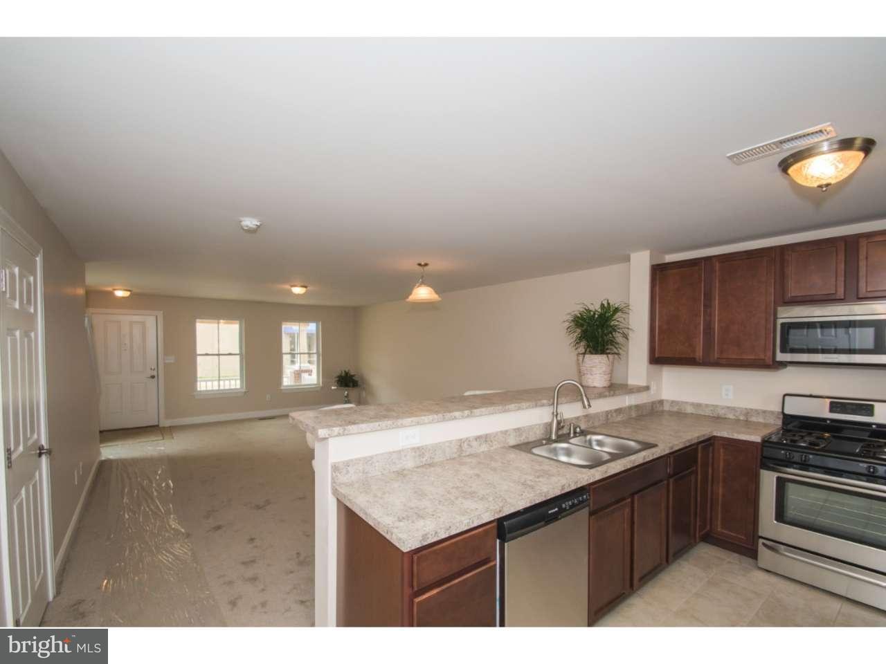 Additional photo for property listing at 720 DOUGLAS Street  Wilmington, Delaware 19805 Estados Unidos