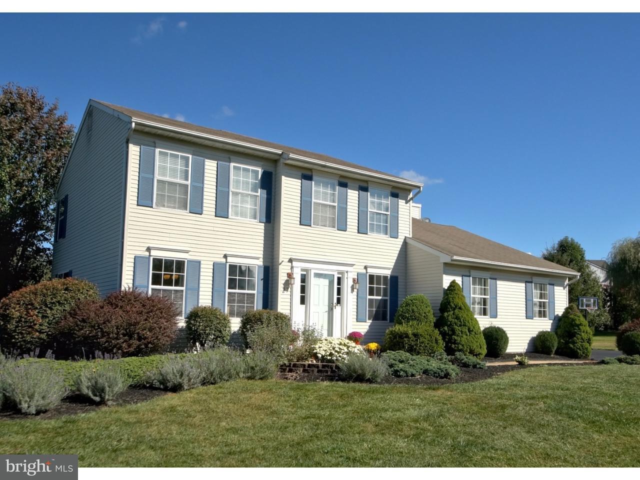 独户住宅 为 销售 在 27 GALLOPING BROOK Drive Allentown, 新泽西州 08501 美国在/周边: Upper Freehold Township