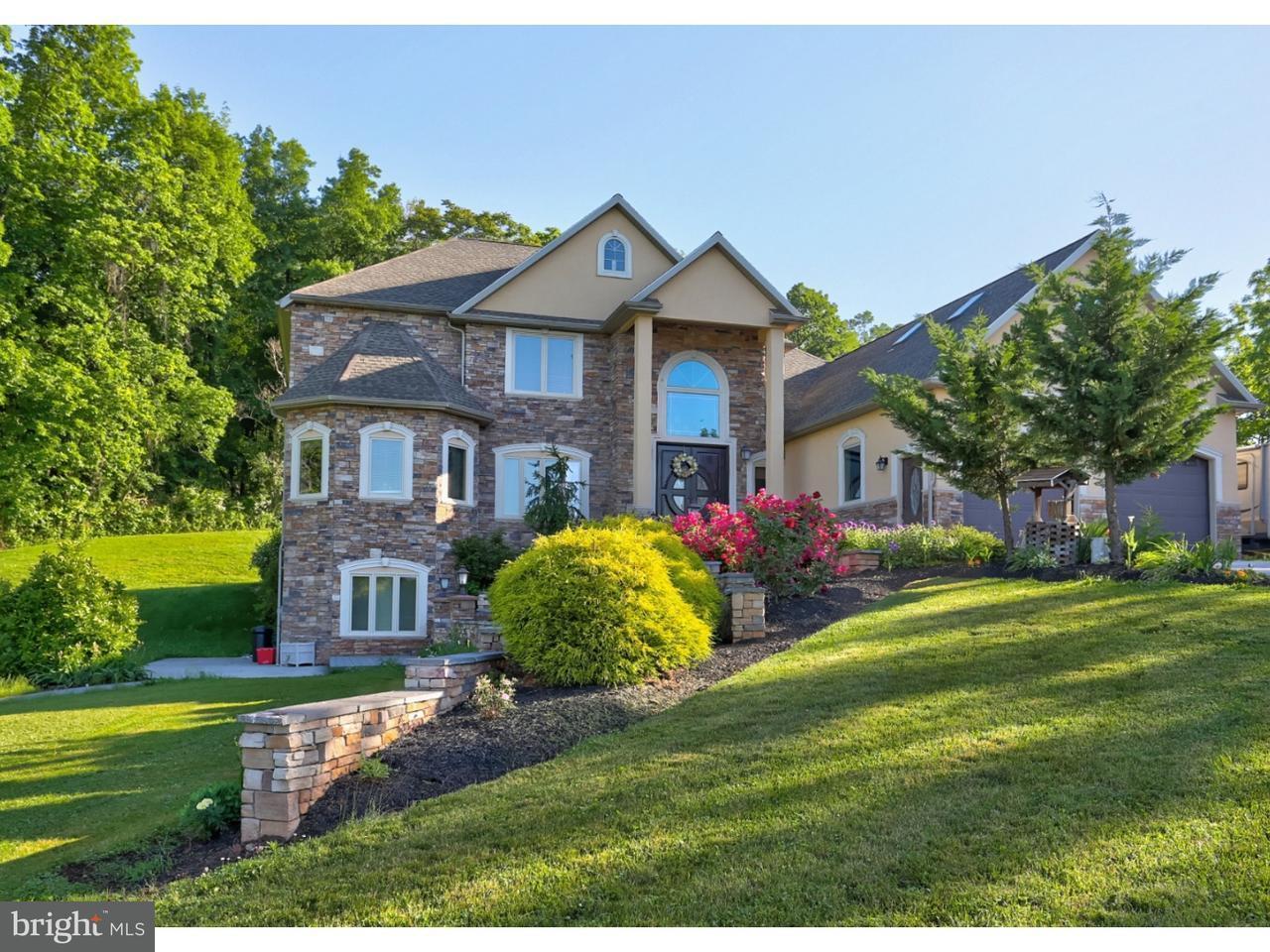 独户住宅 为 销售 在 70 HORSESHOE TRAIL Road Denver, 宾夕法尼亚州 17517 美国