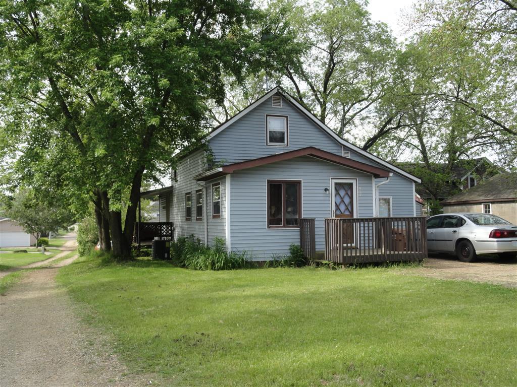427 Cottage St, MONDOVI, WI 54755