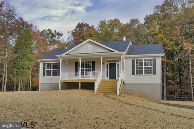 Single Family for Sale at 370 Three Chopt Rd Kents Store, Virginia 23084 United States