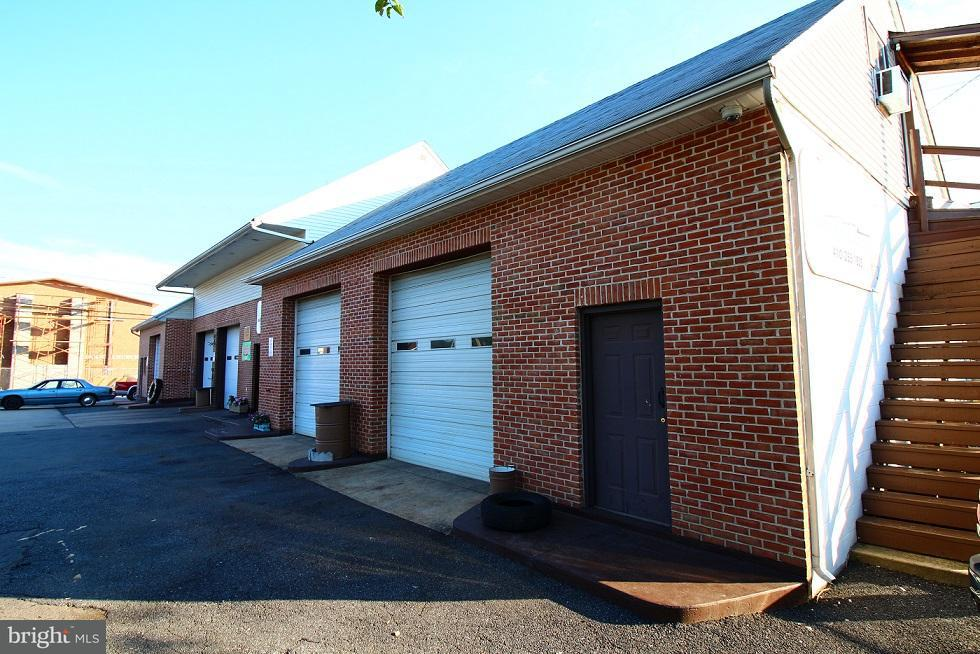 Additional photo for property listing at 7899 DUNDALK Avenue 7899 DUNDALK Avenue Dundalk, Maryland 21222 Stati Uniti