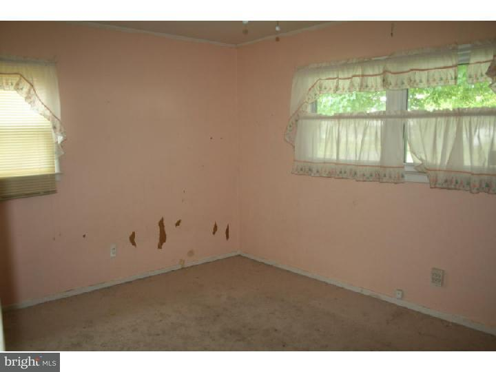 Additional photo for property listing at 56 DUNMORE Avenue  Ewing, Nueva Jersey 08618 Estados Unidos