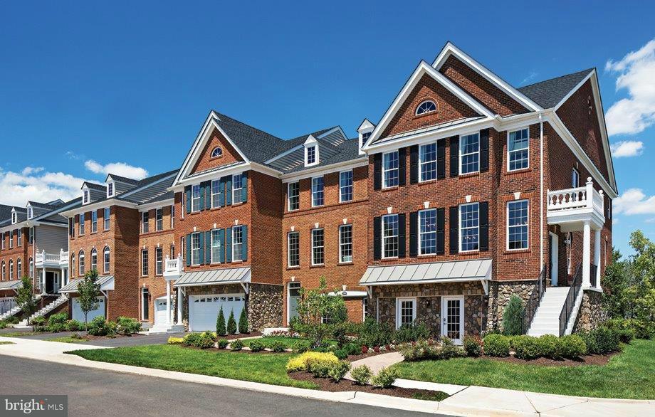 Casa unifamiliar adosada (Townhouse) por un Venta en 42898 EDGEGROVE HEIGHTS TER 42898 EDGEGROVE HEIGHTS TER Ashburn, Virginia 20148 Estados Unidos