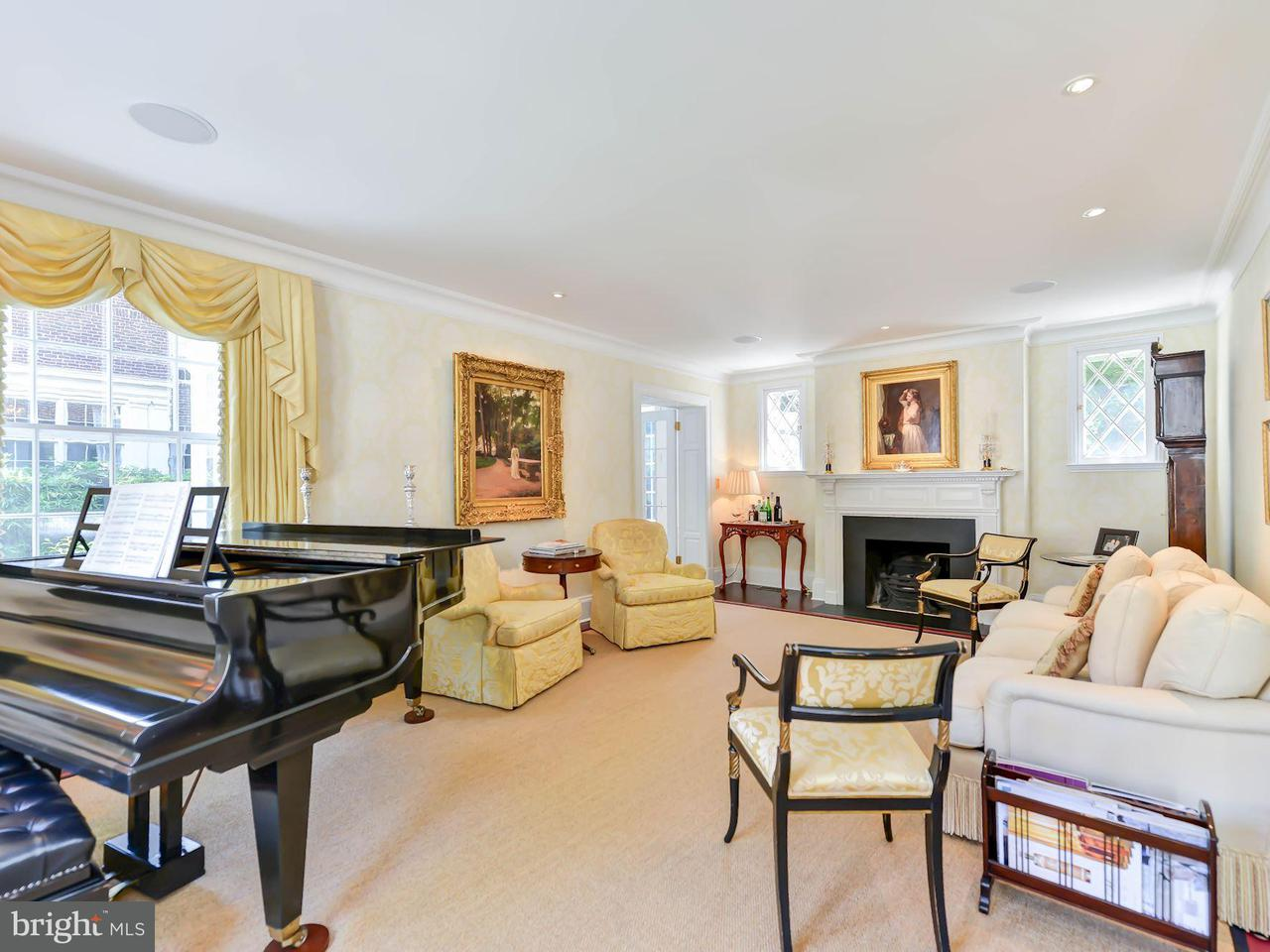Additional photo for property listing at 2408 California St NW  Washington, District Of Columbia 20008 United States