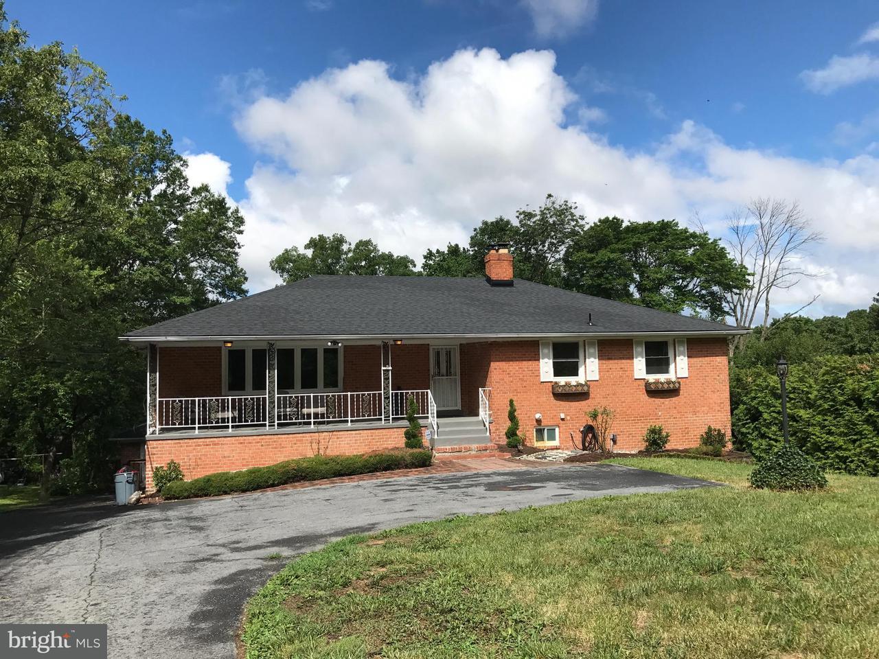 Eensgezinswoning voor Verkoop een t 11416 MONTGOMERY Road 11416 MONTGOMERY Road Beltsville, Maryland 20705 Verenigde Staten