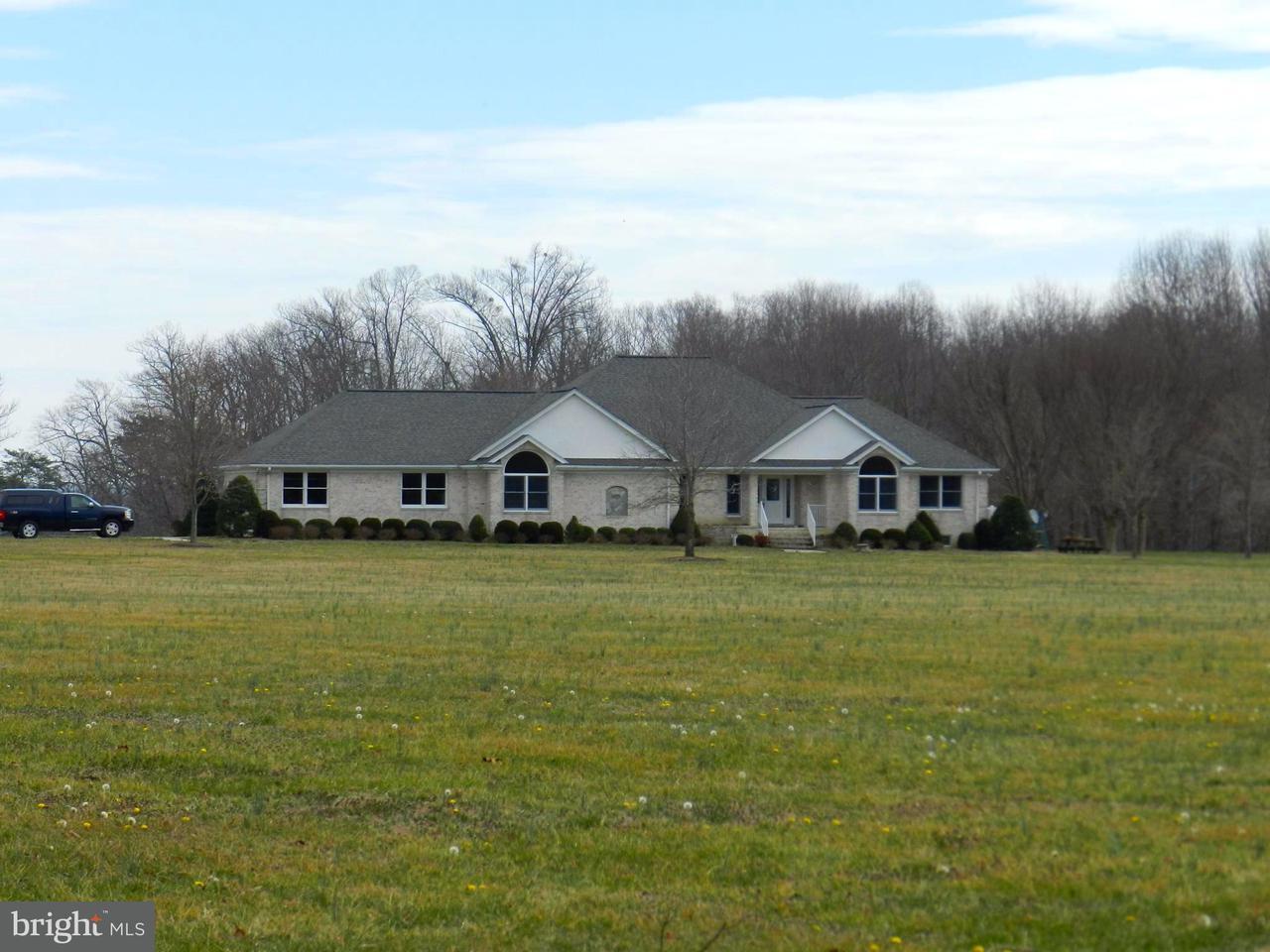 獨棟家庭住宅 為 出售 在 29305 EAGLE LANDING Lane 29305 EAGLE LANDING Lane Port Royal, 弗吉尼亞州 22535 美國