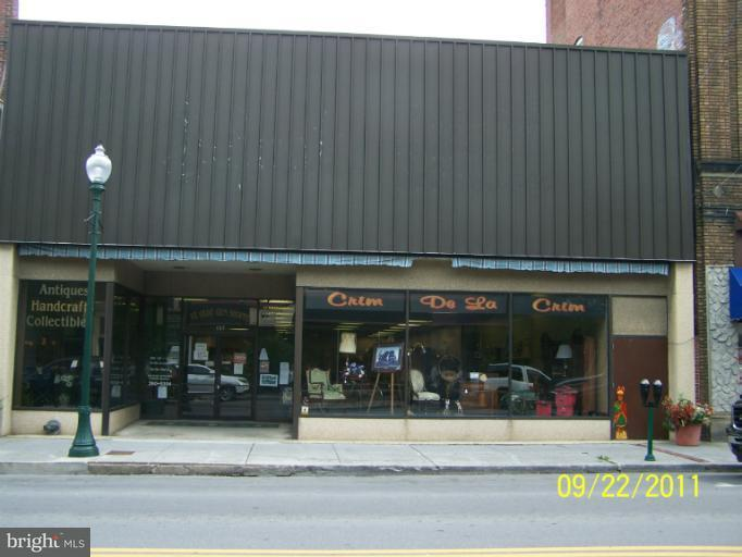 Commercial for Sale at 137 N Queen St. Martinsburg, West Virginia 25401 United States