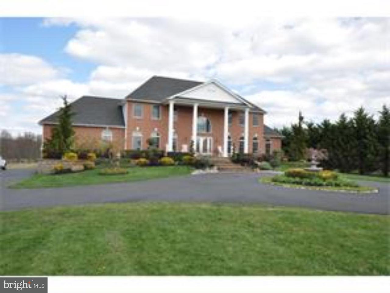 独户住宅 为 销售 在 342 EAYRESTOWN Road Southampton, 新泽西州 08088 美国