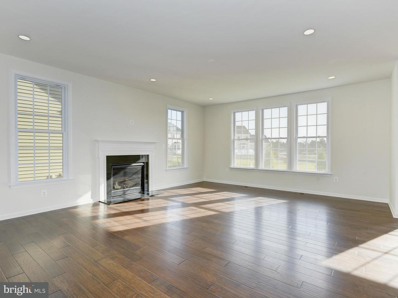 Additional photo for property listing at 24263 Crabtree Ct  Aldie, Virginia 20105 United States