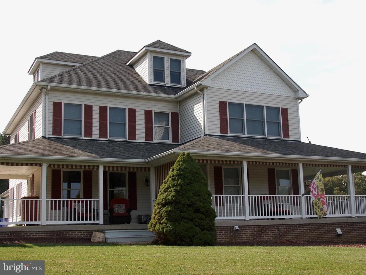 Частный односемейный дом для того Продажа на 4320 LINTHICUM Road 4320 LINTHICUM Road Dayton, Мэриленд 21036 Соединенные Штаты