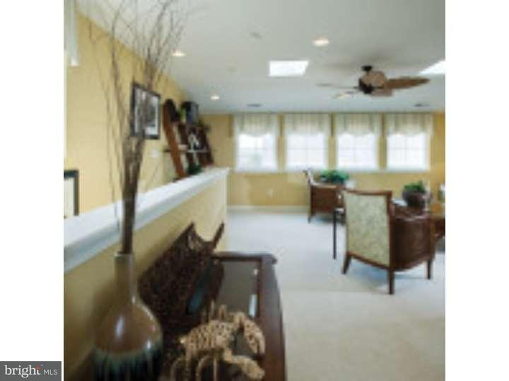 Additional photo for property listing at 337 LENAPE WAY  Claymont, Delaware 19703 Estados Unidos