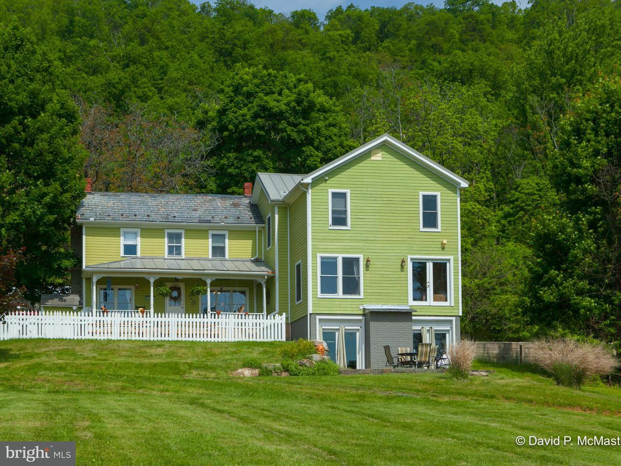独户住宅 为 销售 在 1973 Needmore Road 1973 Needmore Road Martinsburg, 西弗吉尼亚州 25403 美国