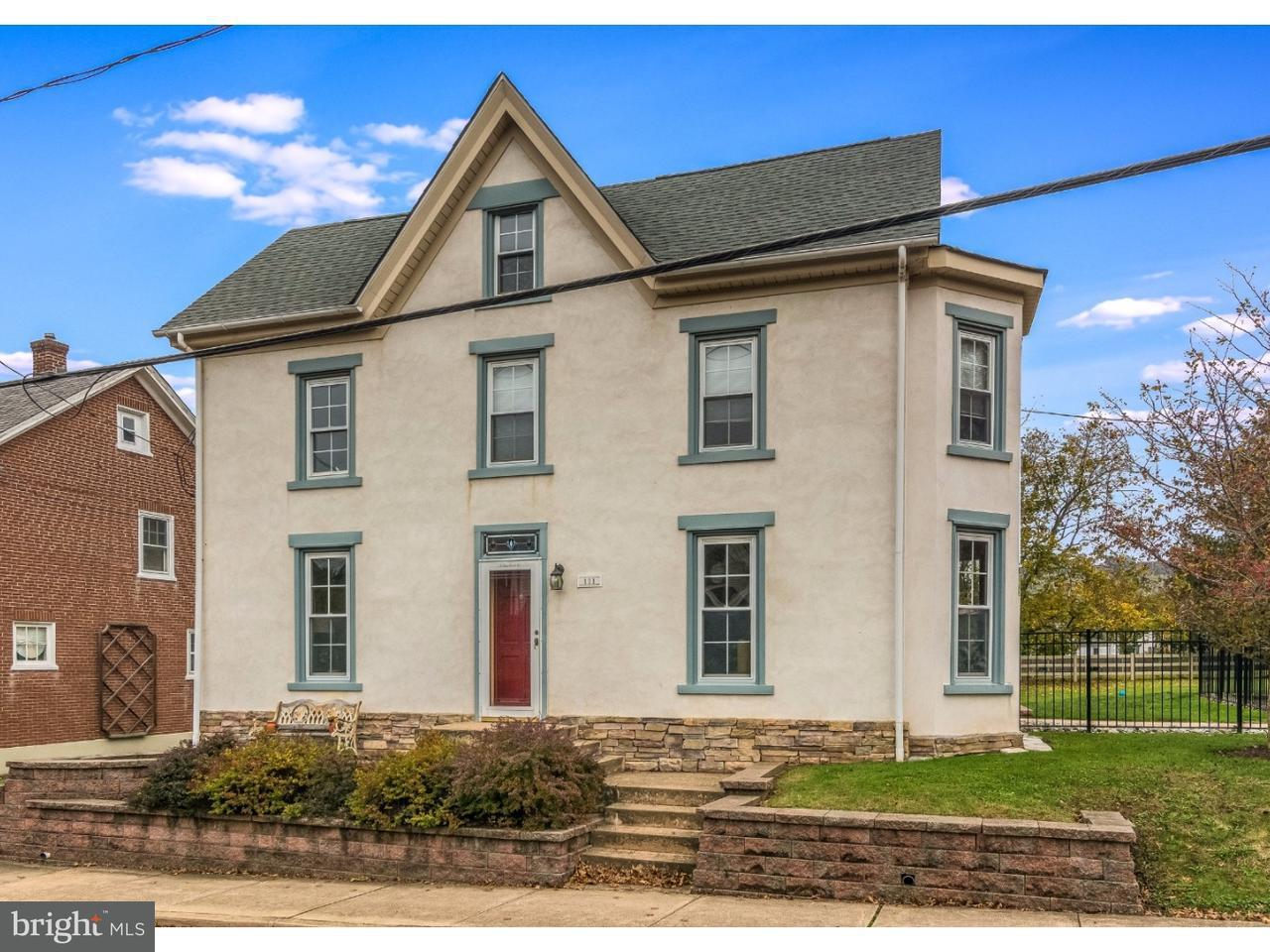 独户住宅 为 销售 在 111 GREEN Street Silverdale, 宾夕法尼亚州 18962 美国