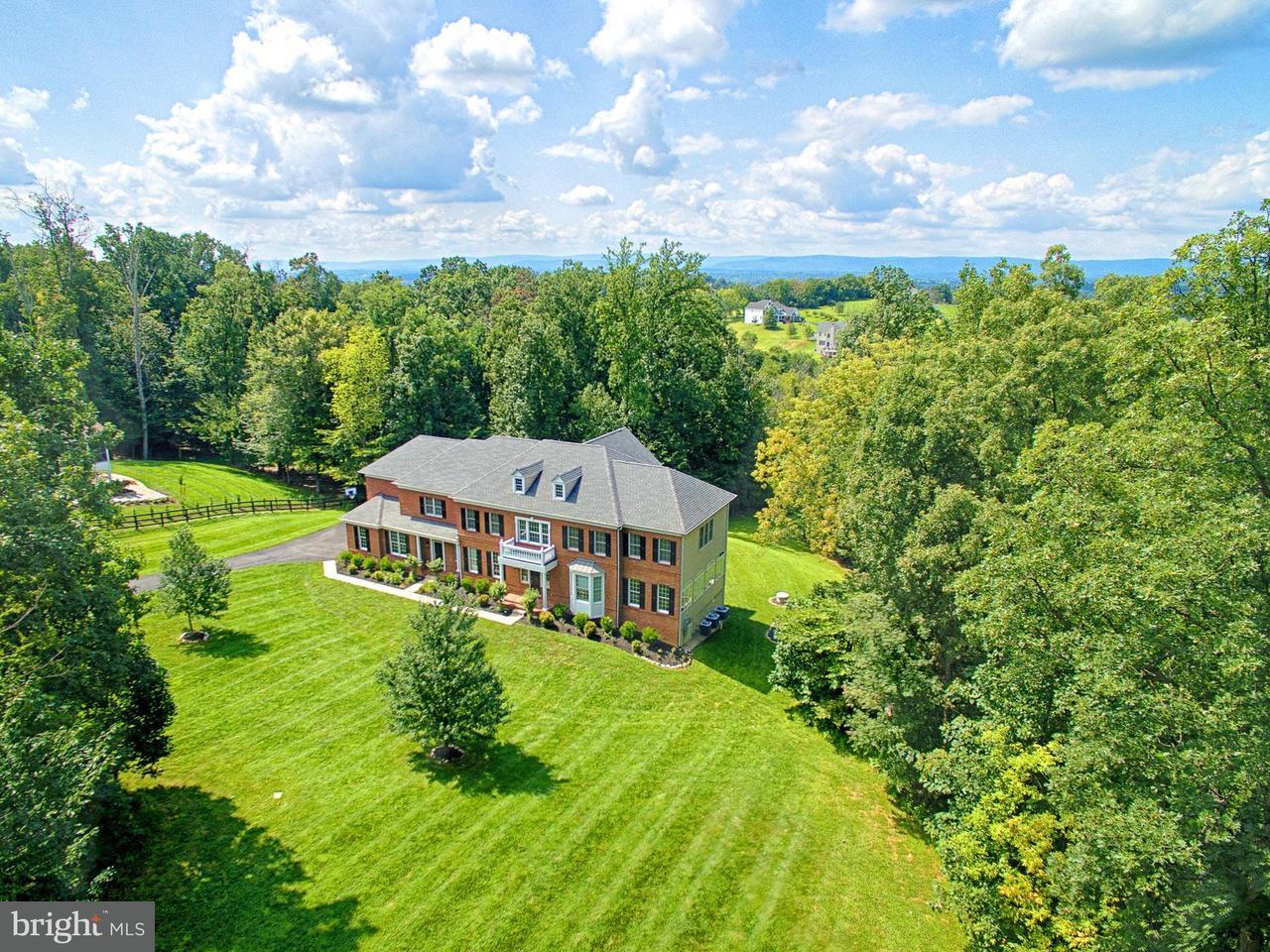 Vivienda unifamiliar por un Venta en 15235 PAVLO Place 15235 PAVLO Place Waterford, Virginia 20197 Estados Unidos