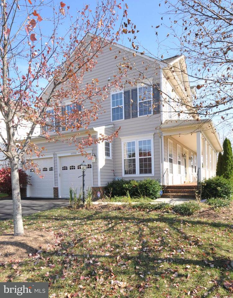 Single Family Home for Sale at 43206 ARBOR GREENE WAY 43206 ARBOR GREENE WAY Broadlands, Virginia 20148 United States