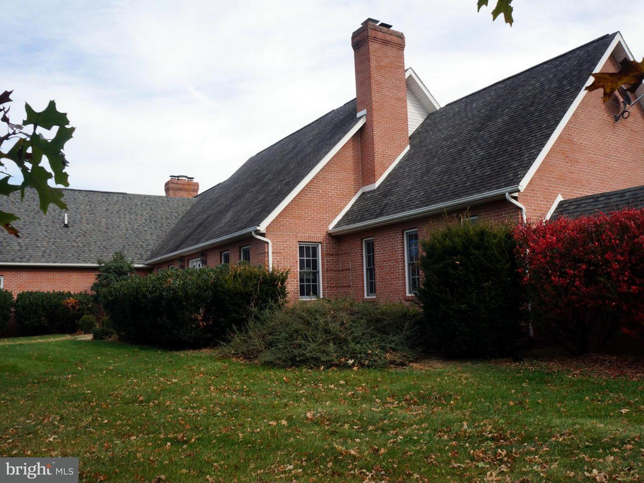 農場 のために 売買 アット 948 DANIELS Road 948 DANIELS Road Shenandoah Junction, ウェストバージニア 25442 アメリカ合衆国