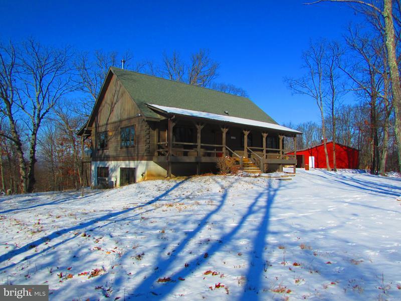 Maison unifamiliale pour l Vente à 3456 Dennison Hollow Road 3456 Dennison Hollow Road Fort Ashby, Virginie-Occidentale 26719 États-Unis