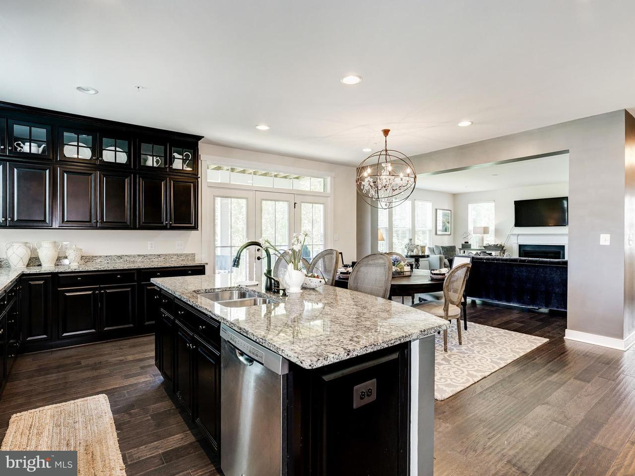 Single Family Home for Sale at 2472 POTOMAC RIVER BLVD 2472 POTOMAC RIVER BLVD Dumfries, Virginia 22026 United States