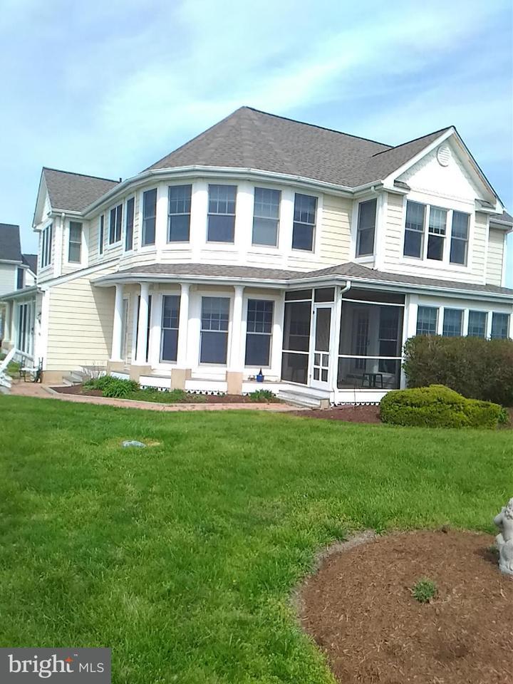 Tweezijdig voor Verkoop een t 21330 BAY FRONT Drive 21330 BAY FRONT Drive Tilghman, Maryland 21671 Verenigde Staten