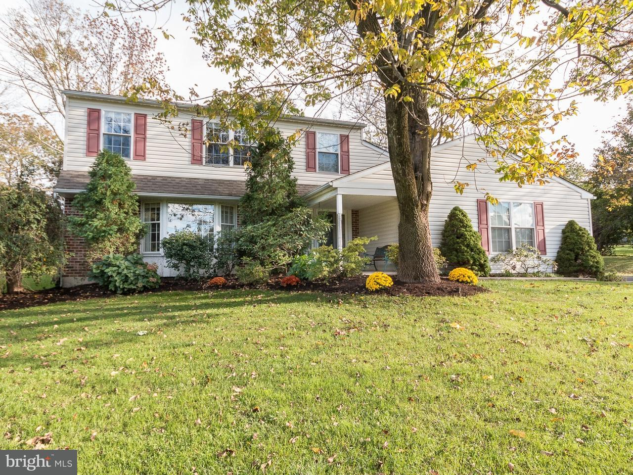 Casa Unifamiliar por un Venta en 318 E MOUNT KIRK Avenue Trooper, Pennsylvania 19403 Estados Unidos
