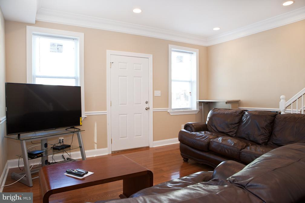 Single Family for Sale at 524 Roxboro Pl NW Washington, District Of Columbia 20011 United States