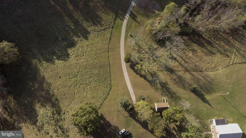 Additional photo for property listing at 872 LICKING CREEK ROAD Road 872 LICKING CREEK ROAD Road Mercersburg, Pennsylvania 17236 Verenigde Staten