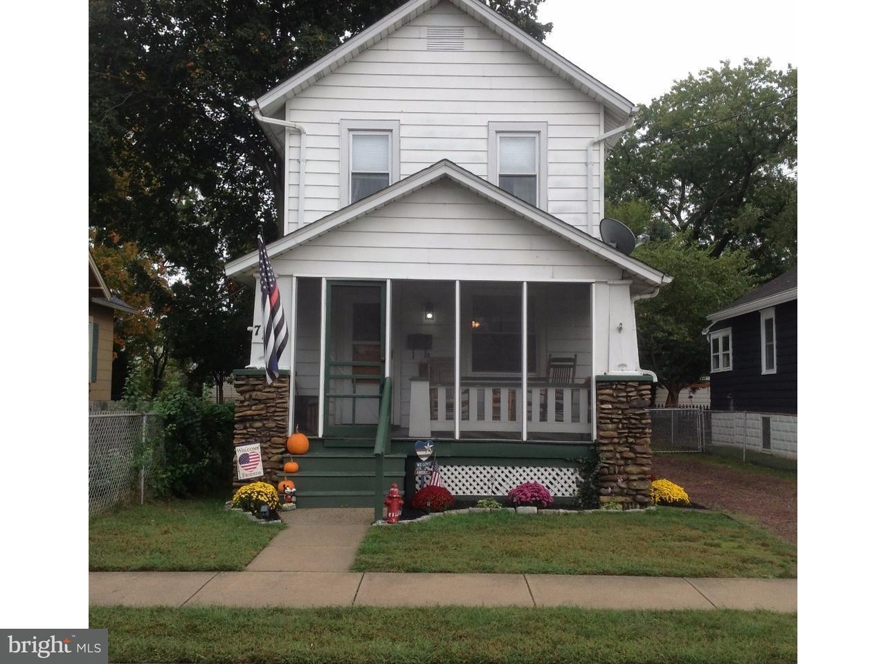 Maison unifamiliale pour l Vente à 713 HICKORY Street Delanco Township, New Jersey 08075 États-Unis