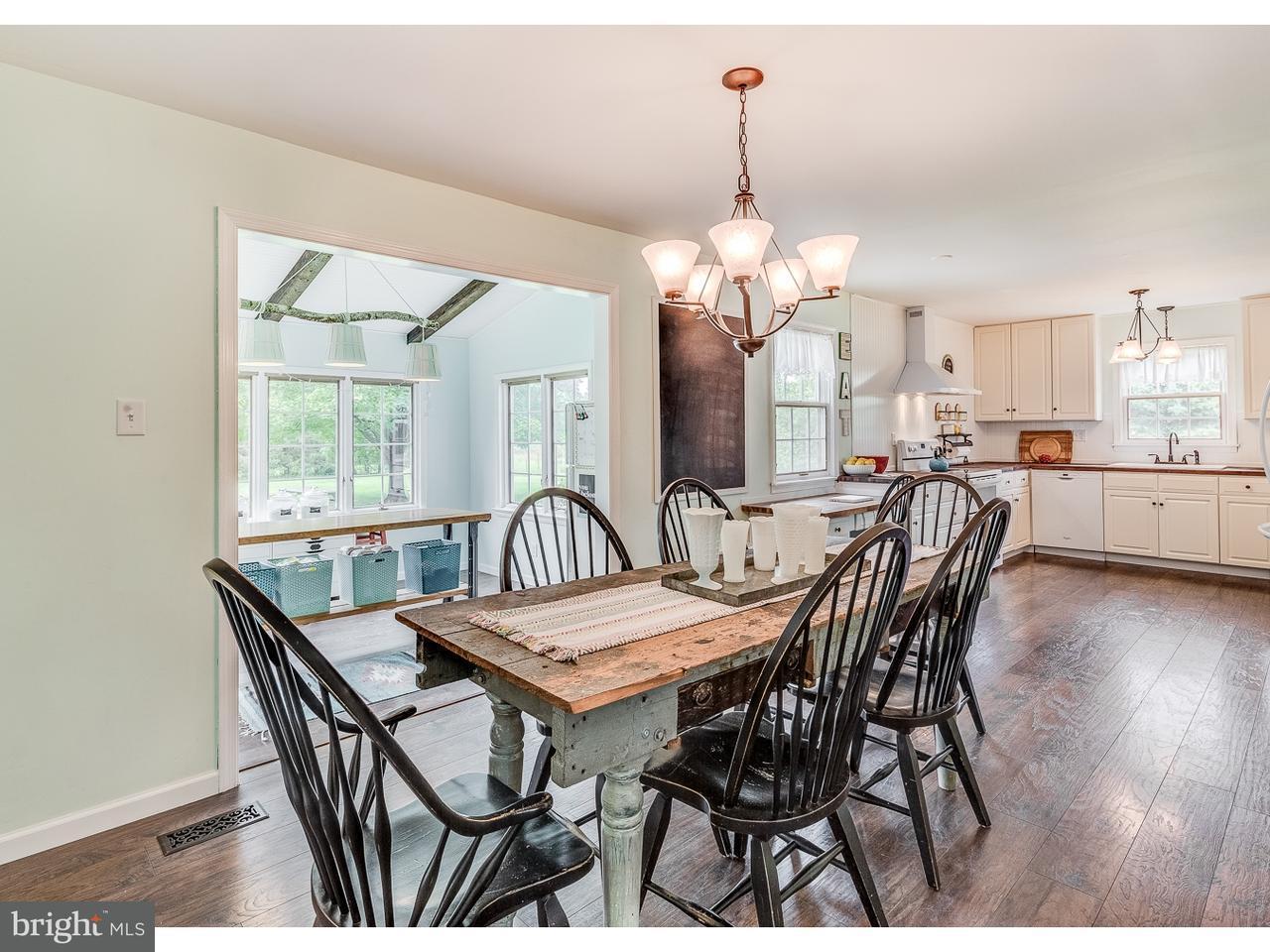 Частный односемейный дом для того Продажа на 17 STOWNECK Road Hancocks Bridge, Нью-Джерси 08079 Соединенные Штаты