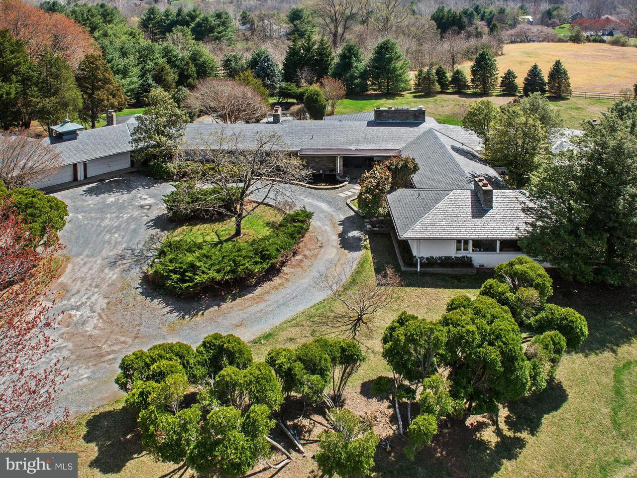 Additional photo for property listing at 11524 Highland Farm Rd  Potomac, Maryland 20854 United States