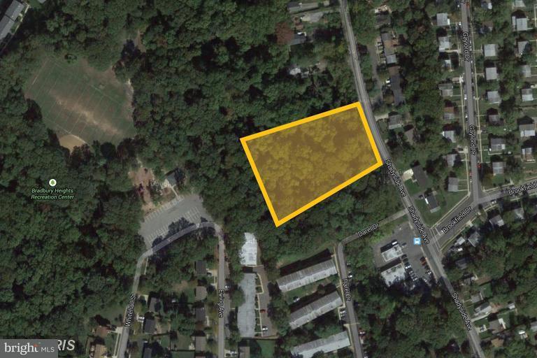 Земля для того Продажа на 4300 BRADBURY Court 4300 BRADBURY Court Suitland, Мэриленд 20746 Соединенные Штаты