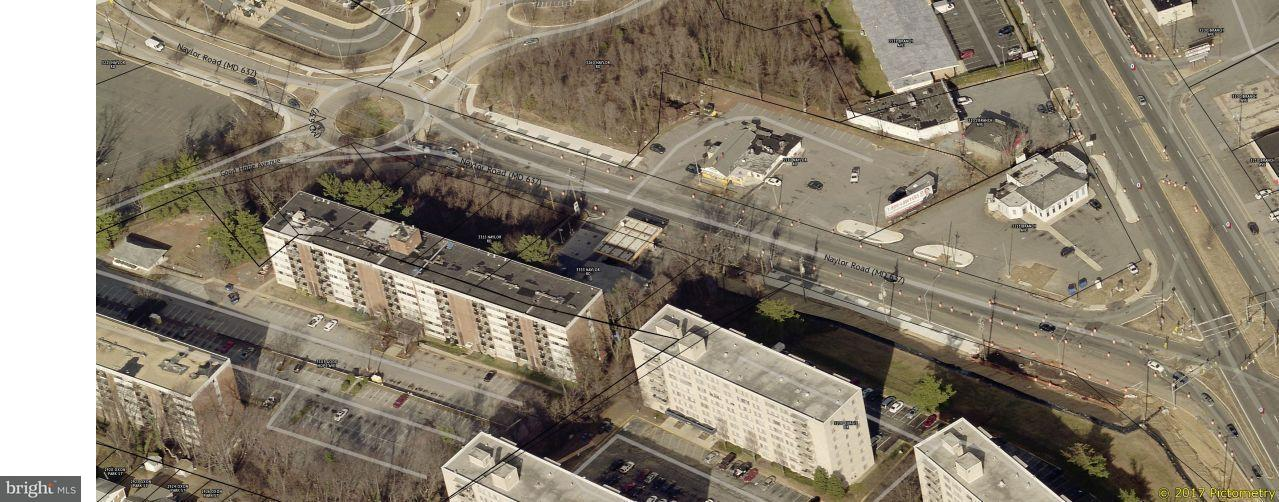 Terrain pour l Vente à 3315 NAYLOR Road 3315 NAYLOR Road Temple Hills, Maryland 20748 États-Unis
